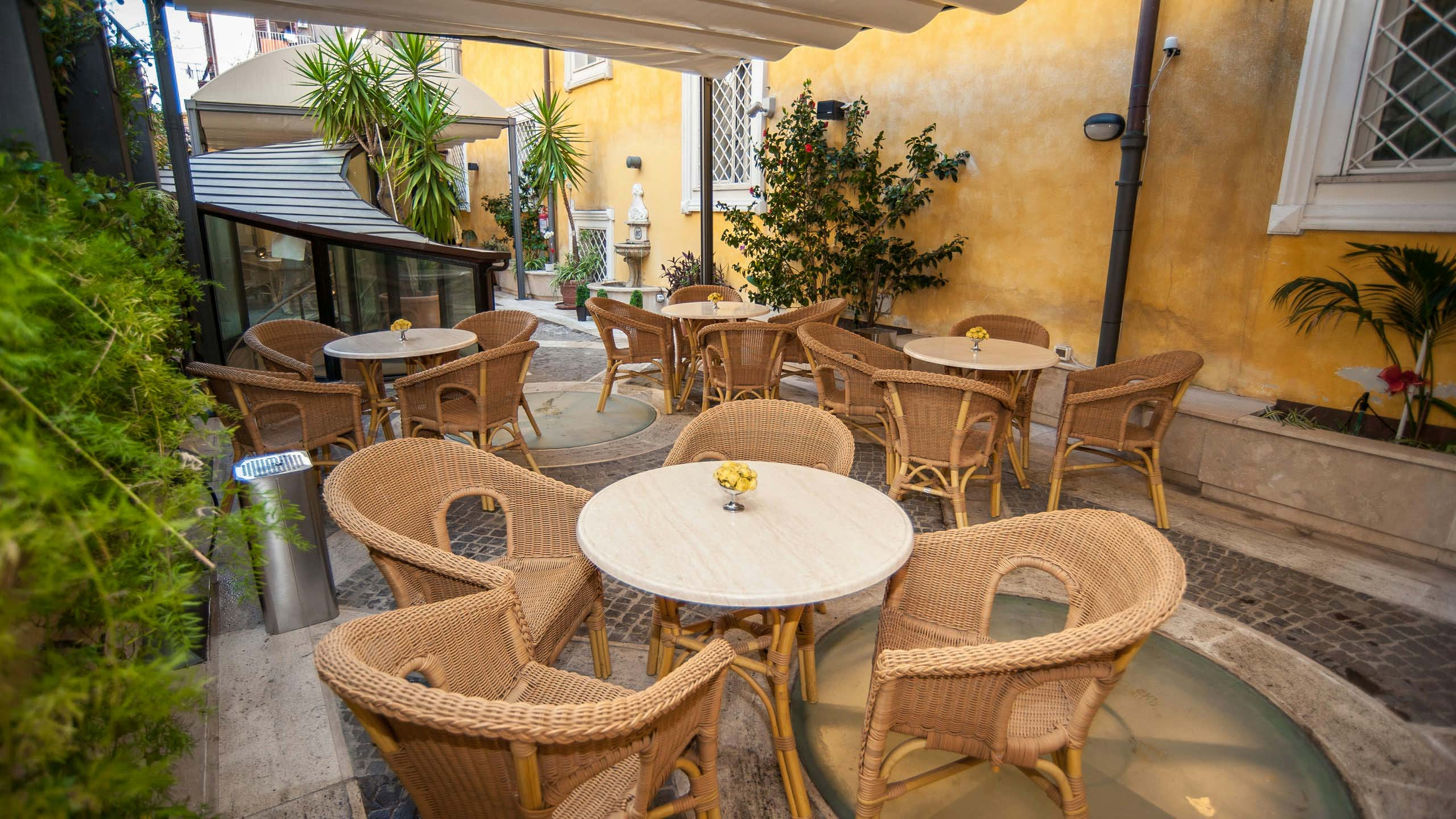 hotel-windrose-rome-external-05