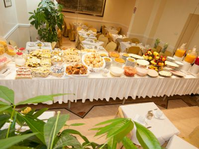 hotel-windrose-rome-breakfast-12