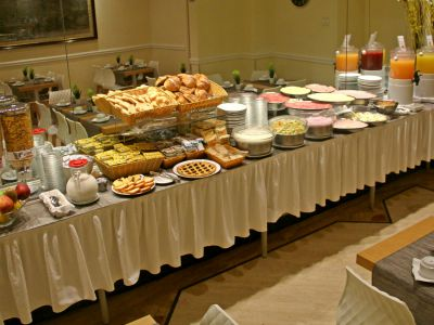 hotel-windrose-rome-breakfast-02