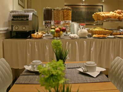 hotel-windrose-rome-breakfast-05