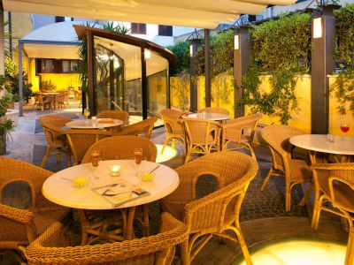 hotel-windrose-rome-external-12